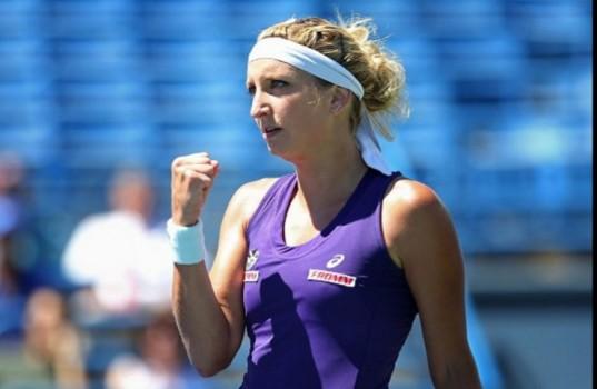 WTA - Indian Wells - Timea Bacsinszky freine Kiki Mladenovic