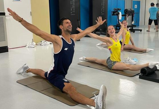 Insolite - Quand Djokovic lâche la raquette et se met à la gym...
