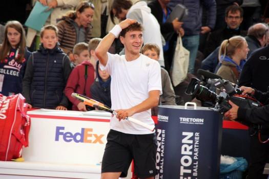 ATP - Hambourg - Renzo Olivo chute et trompe Kohlschreiber